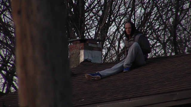 Auburn police: Man climbs roof to avoid questioning for investigation