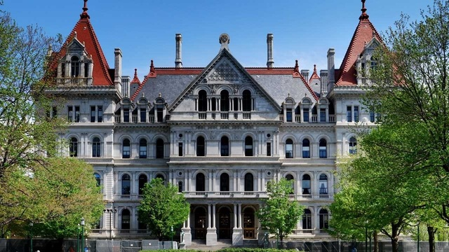 NY Lawmakers adjourn with many issues left unresolved