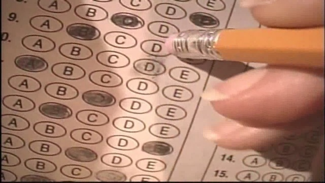 NY teachers union fights to separate test scores and evaluations