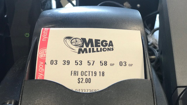Mega Millions hits $1 billion for Friday night's drawing