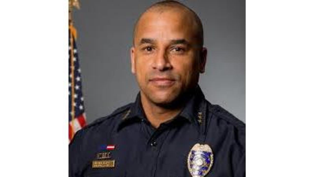 Ithaca Police Chief Credited With Saving Man S Life After