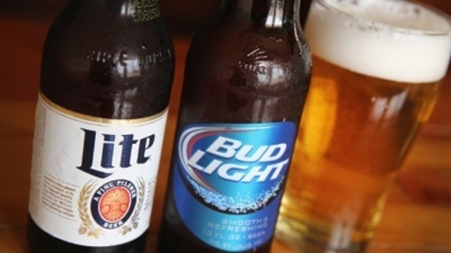 MillerCoors sues Anheuser-Busch over corn syrup ads